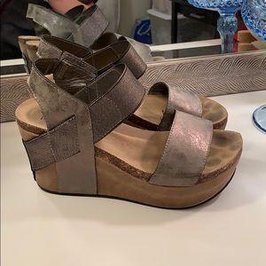 Shoes - Pierre Dumas size 8 wedges